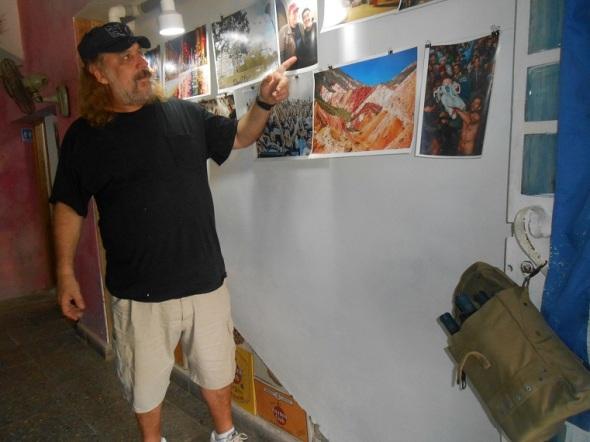 Frank Delgado de visita al restaurante de comidas argentinas