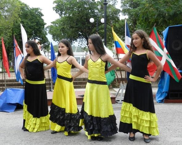 Las jóvenes generaciones continuadora de la cultura de los pueblos de la región.