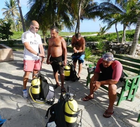 Quienes participaran en la inmersión reciben una preparación previa