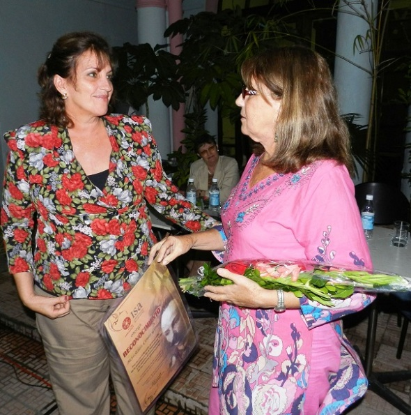 Universidad de las artes estimula a Elda Cento