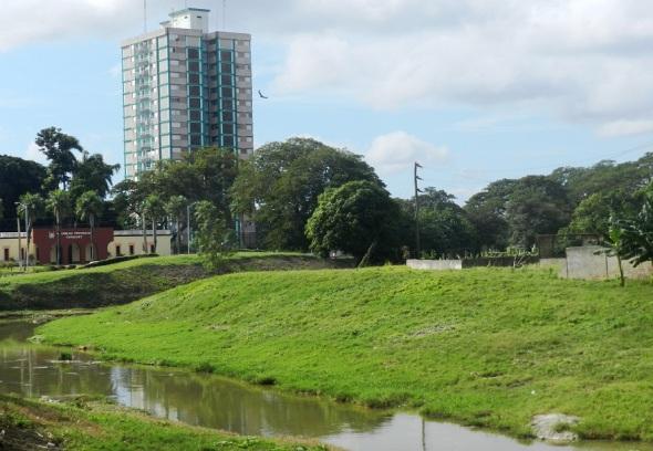 La ciudad mira sus ríos