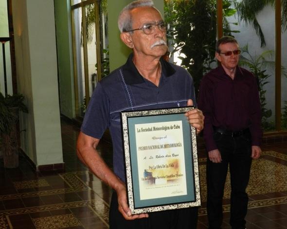 Premio Nacional de Meteorología por La Obra de toda la vida, el licenciado Roberto Acea Reyes