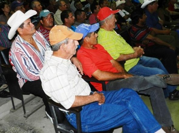 A la convocatoria acudieron integrantes de seis  cooperativas