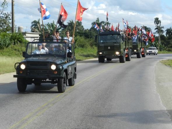 Camagüeyanos reeditan entrada triunfal de la Caravana de la Victoria (1)