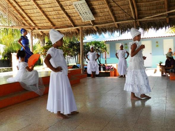 Niños y adolescentes del proyecto cultural Raíces de este municipio de Camagüey