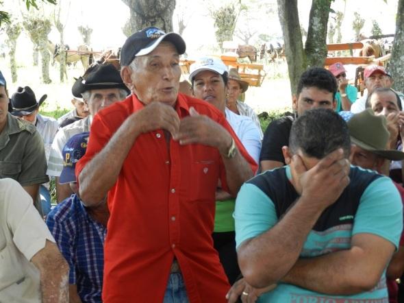 Noel Agüero, de 77 años de edad un ejemplo entre los acopiadores de leche