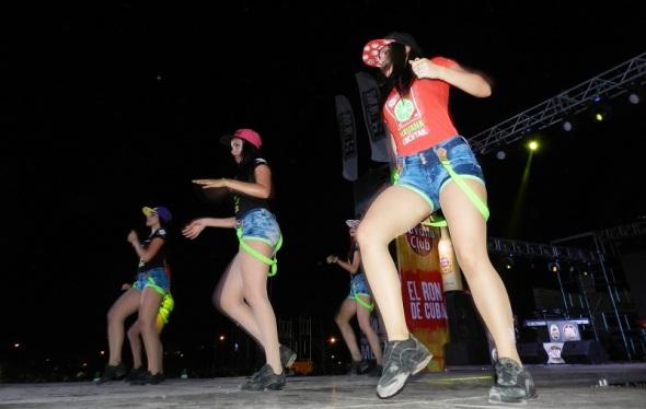 Bailando, Gente de Zona compartió en escenarios internacionales con Descemer Bueno y Enrique Iglesias