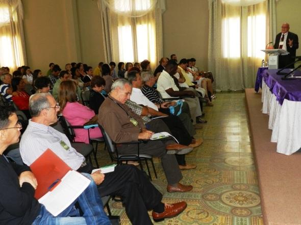 Delegados a  Simposio Internacional Desafíos en el Manejo y Gestión de Ciudades