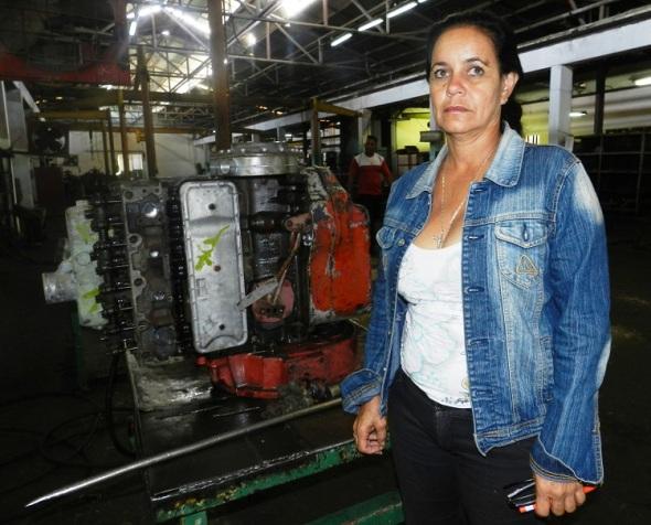 Dianelys Rosales García, del buró sindical de los Talleres Vladimir Ilyich Lenin