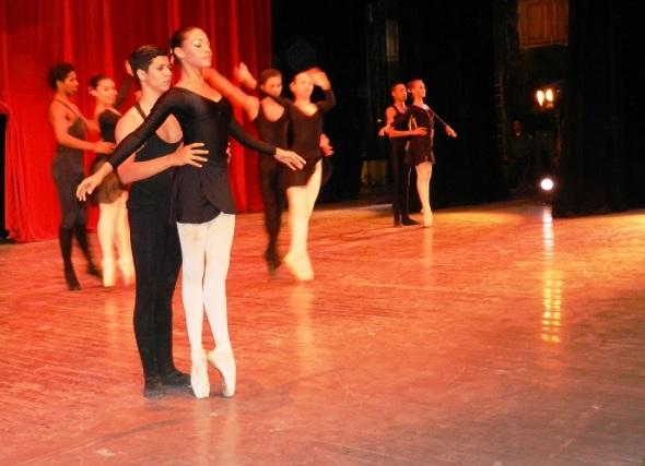 El ballet juvenil en Gala por los 502 años de la fundación de la  villa de Santa María del Puerto del Príncipe, hoy Camagüey. Cuba