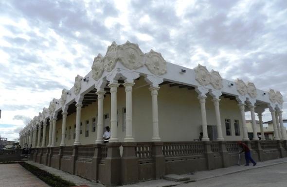 "Edificio patrimonial recuperado del Hospital Pediátrico Provincial ""Eduardo Agramonte Piña"""