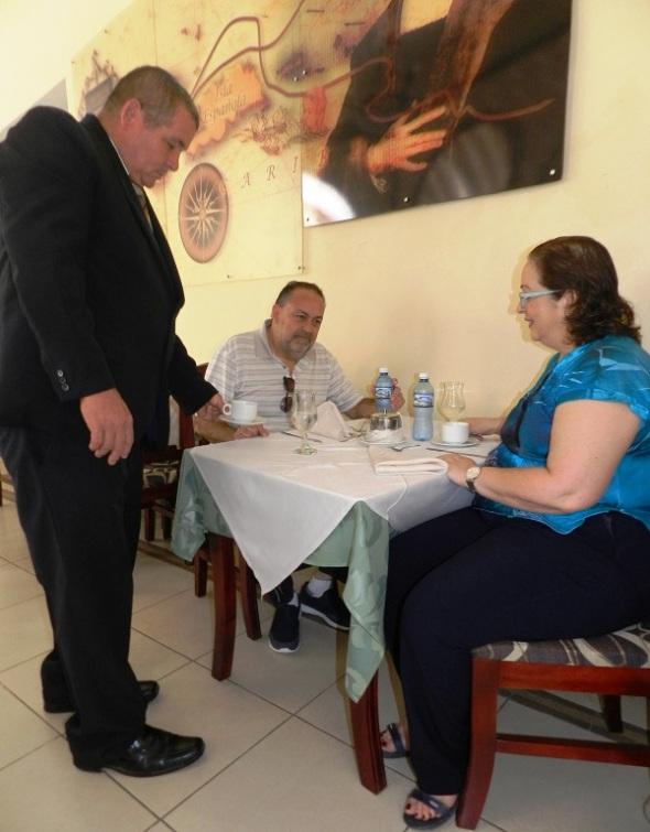 Huesped chilenos en el Hotel Colón, Camagüey, Cuba
