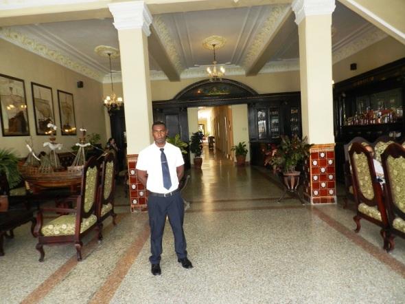 Interior del  Hotel Colón, Camagüey, Cuba