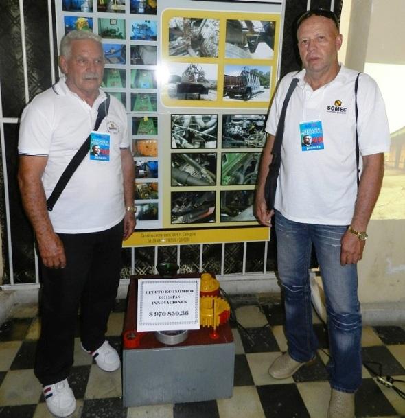 El jubilado Enrique Bourricaudy Purón y Julio Sánchez Borrero