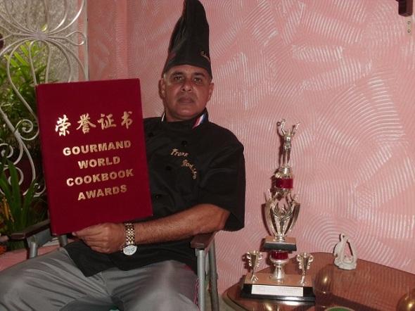 Frank Rodríguez; miembro de la Sociedad Culinaria Internacional Nitza Villapol; fue merecedor del Premio al Mejor Libro de Cocina del Mundo, París 2011