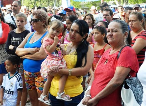 La familia enn la celebración del 1ro de Mayo e San Blas