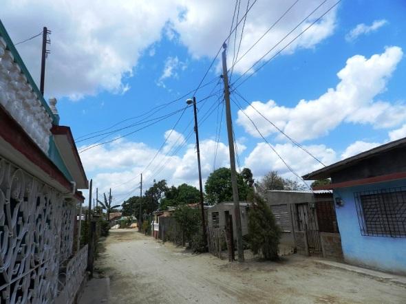 La Organización Básica Eléctrica en el municipio de Camagüey puso en practica un proyecto para la sustitución de tendederas por un servicio de energía de alta calidad