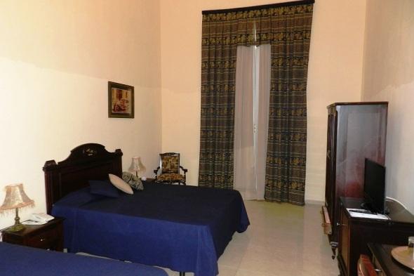 Una de las habitaciones del Hostal El Marqués, Camagüey, Cuba. Foto Lázaro David Najarro Pujol