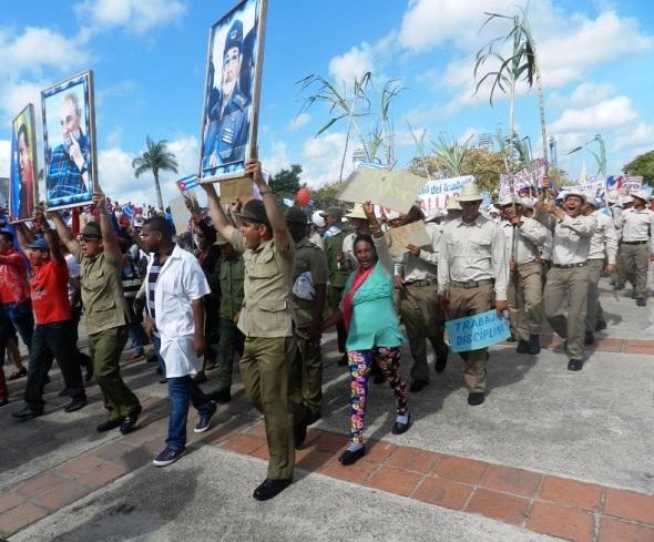 1ro de Mayo en Camagüey, Cuba. Fto Lázaro D. Najarro Pujol (11)