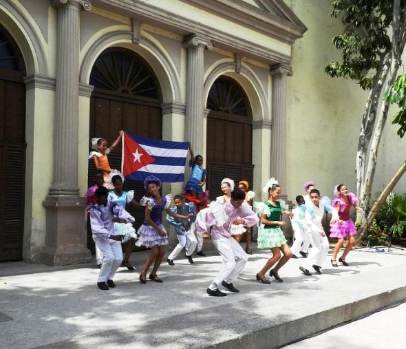 En Camagüey el Día Internacional de la Diversidad Cultural se celebró con el espectáculo infantil Cuba, que linda es Cuba