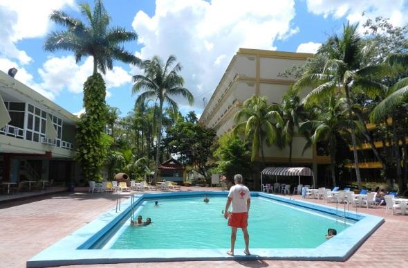 En la piscima del Hotel Camagüey, Cuba