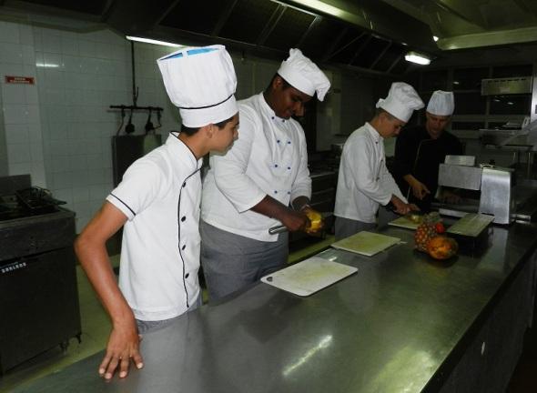 La cocina nacional e internacional presente en el Hotel Camagüey, Cuba