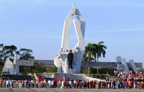 Monumento a El Mayor en la Plaza de la Revolución en Camagüey, Cuba