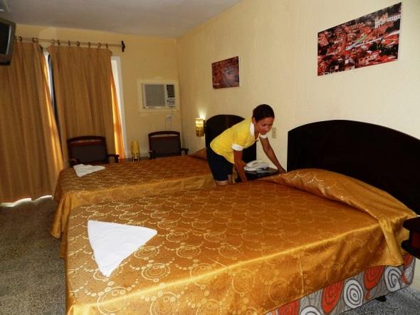 Una de las habitaciones del Hotel Camagüey, Cuba