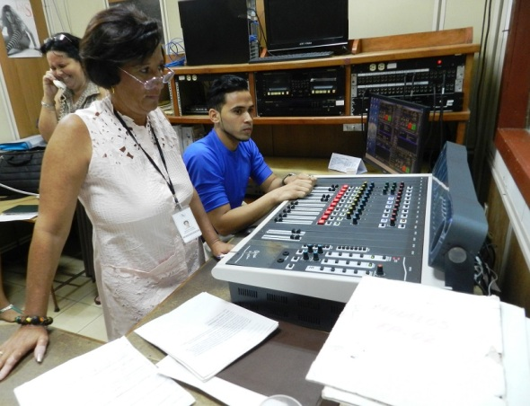 ¿Y qué tú cree que transmite el último jueves de cada la emisora municipal Radio Camagüey