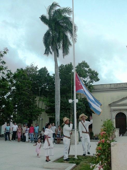 Ceremonia de la bandera en Camagüey