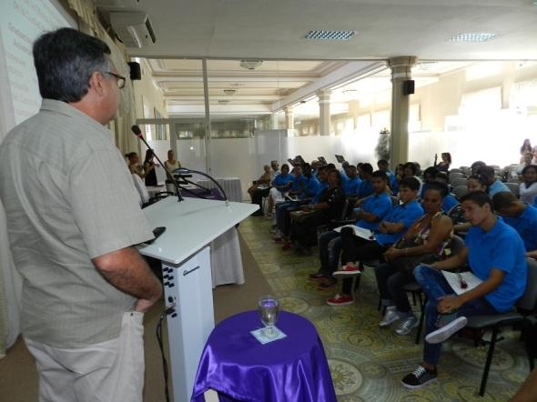 Dedican a Fidel Décima Graduación de la Escuela de Oficio camagüeyana