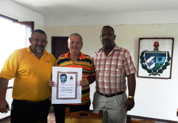 El IV Pleno del Comité Municipal del Partido, también reconoció la labor desplegada por Gaspar Olivera