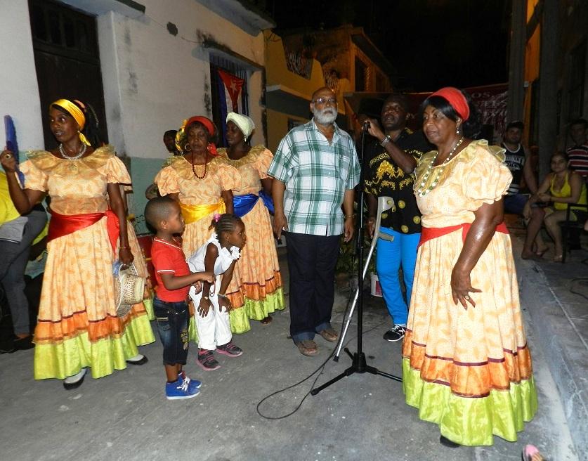Una delegación  de la isla caribeña de Martinica intercambió en esta ciudad con integrantes del Comité de Defensa de la Revolución Foto Lázaro David Najarro Pujol