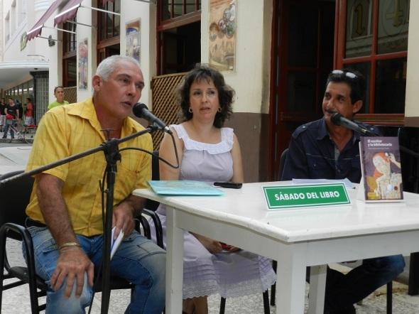 El escritor y la bibliotecaria, es una de los últimos títulos que pone a disposición del lector la Editorial Ácana.Foto Lázaro David Najarro Pujol
