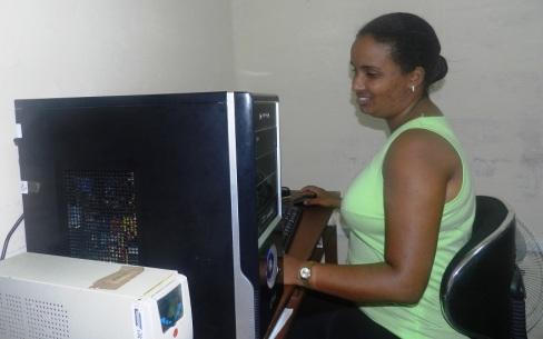"""La informática de Radio Camagüey Marelis Prometa Flores considera que los años cursados en la institución y las experiencias vividas """"me hicieron una mejor persona."""
