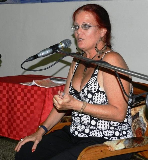 Poeta Mariela Pérez Castro