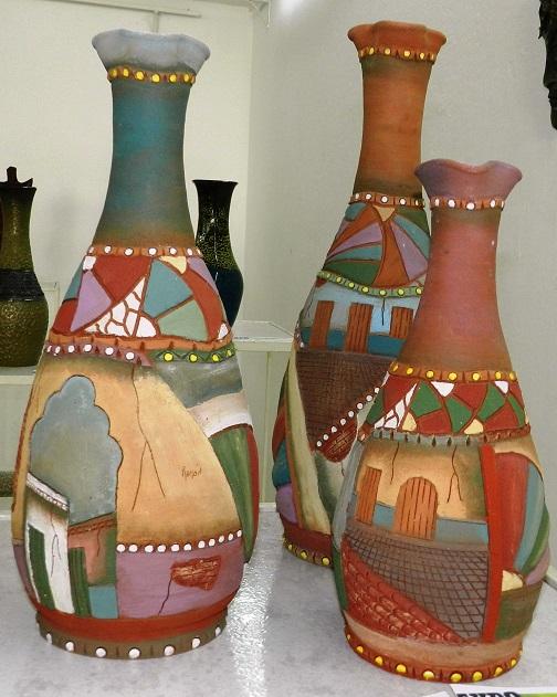 titulo-las-urbes-autor-ramon-guerra-lopez-tecnica-ceramica-con-engobe-mencion