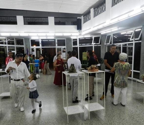 la-galeria-midas-de-la-asociacion-cubana-de-artesanos-aristas