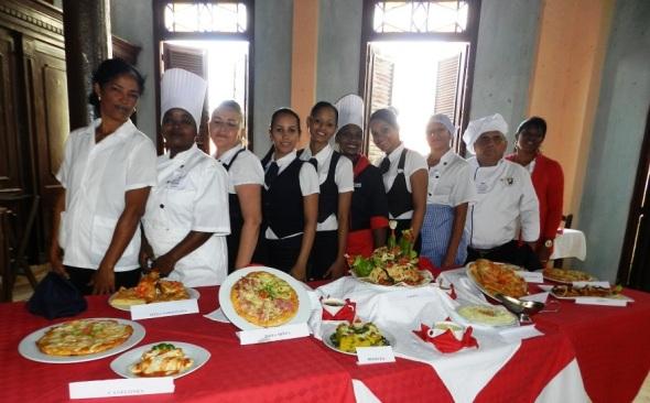 alguno-de-los-participantes-en-el-encuentro-provincial-de-tecnicas-gastronomica