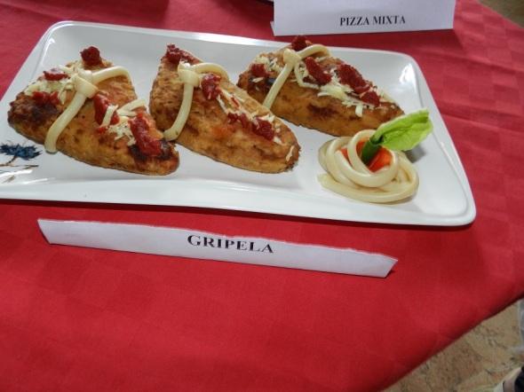 cripela-en-la-pizzeria-la-piazza-en-el-centro-historico-de-camaguey
