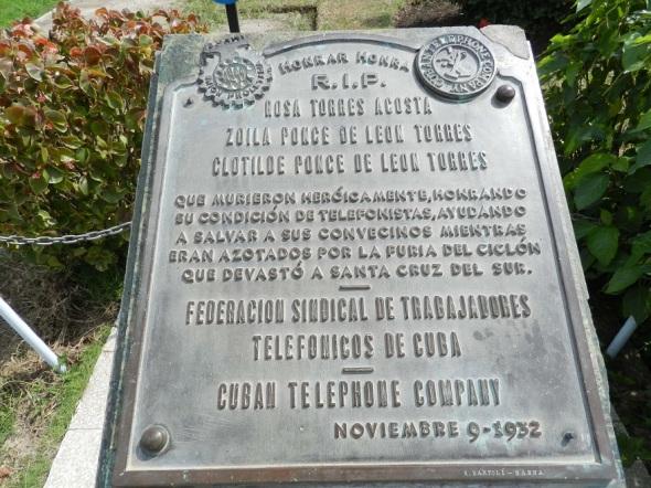 resaltan-valentia-de-telefonistas-santacrucenas-victimas-del-huracan-de-1932