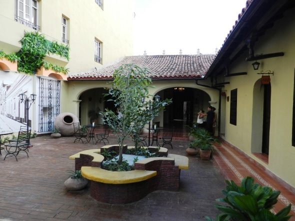 bella-arquitectura-del-hotel-colonial