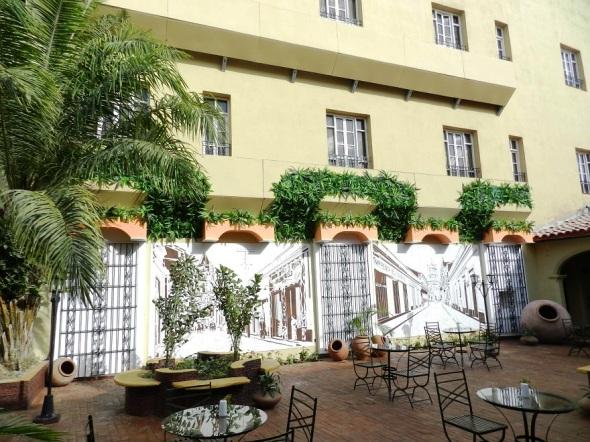 el-hotel-colonial-se-comuncia-con-el-santa-maria-de-la-misma-cadena