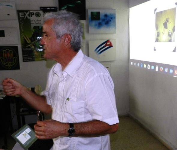 es-una-manera-de-ensenar-a-mis-amigos-cubanos-mi-labor-artistica