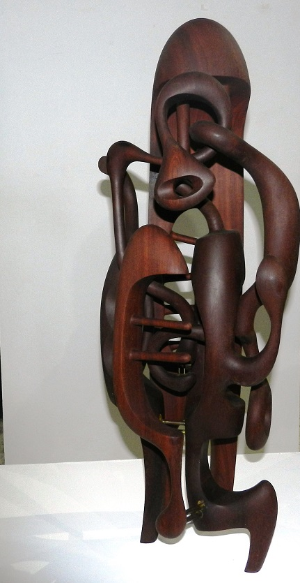 mundos-i-escultura-en-madera-dimensiones-variables-autor-magdiel-gracia-almanza
