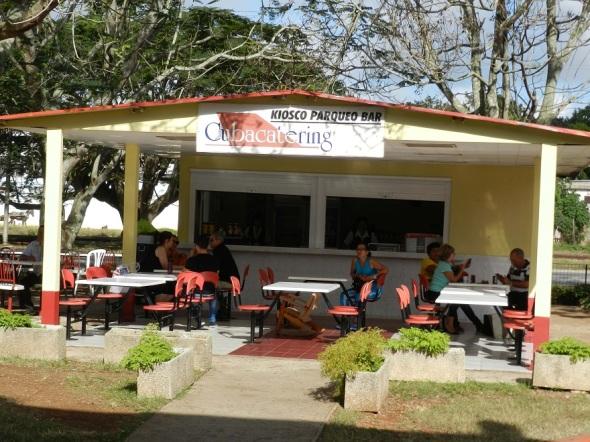 una-de-las-unidades-de-cubacatering-de-servicios-gastronomicos-aeroportuarios-en-camaguey