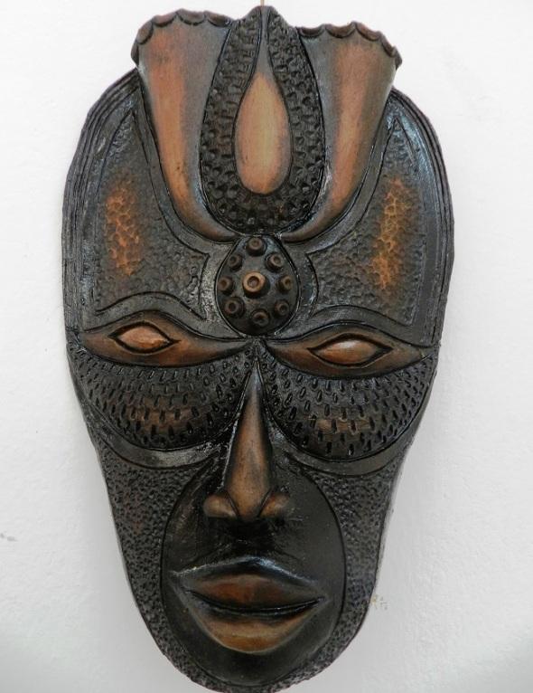 autor-alberto-perez-abab-titulo-mascaras-en-negro-tecnica-patina-3