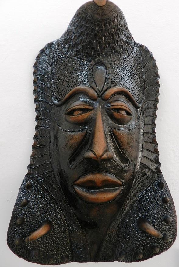 autor-alberto-perez-abab-titulo-mascaras-en-negro-tecnica-patina-4