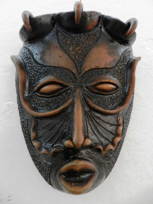 autor-alberto-perez-abab-titulo-mascaras-en-negro-tecnica-patina-5