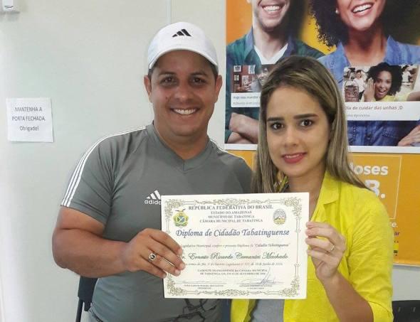 ernesto-ricardo-cervantes-machado-junto-a-la-brasilena-ana-paula-coordinadora-de-salud